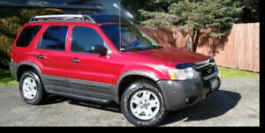 2005 Ford Escape XLT MOON ROOF 4x4  1 y waranty
