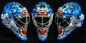 Senior goalie mask with pro cats eye cage