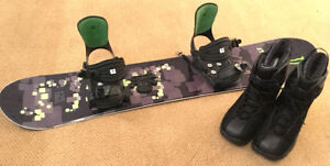 Excellent boys size 7  Snowboard Setup SEE VIDEO