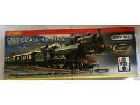 Hornby Digital R1097 East Coast Pullman Train Set