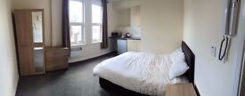Brand New Large Double Ensuites Rooms with Kitchenettes
