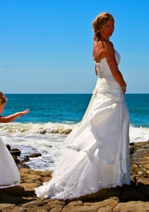 Off white lace wedding dress with hair piece Redcliffe Redcliffe Area Preview