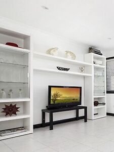 Shelf & Glass Display Cabinet in White Yarrawarrah Sutherland Area Preview