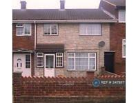 3 bedroom house in Tomlin Road, Slough, SL2 (3 bed)