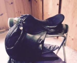 Schleese monoflap xc jumping saddle-Excellent condition