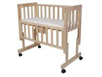 Troll bedside crib