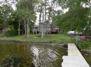 Beautiful 3 bedroom cottage on Canal Lake