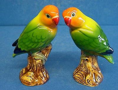 QUAIL CERAMIC ORANGE HEADED LOVE BIRDS SALT & PEPPER POTS CONDIMENT OR CRUET SET