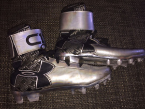 Super fast football shoes 8.5 size.