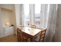 Lovely, sunny and modern 2 bedroom flat in Partick, Glasgow, to rent long term