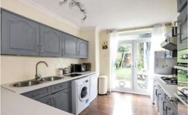 SHORT TENANCY BILLS INCLUDED. 3 bed house in Muswell Hill to rent, in good condition.
