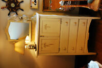 LOVELY DRESSER/WRITING TABLE