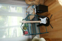 Behringer 6 string electric guitar