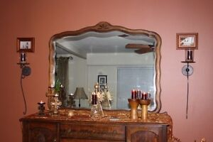 Buffet and mirror