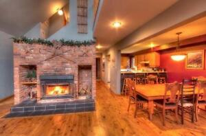 Mid Week Deals Available - 6 Bed Executive Blue Mountain Chalet
