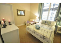 Luxurious 3 bedroom apartment located very close to Central, 5 min walk to Paddington station