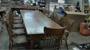 TABLE ET CHAISES ANTIQUES