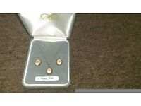 9ct gold jewellery set