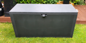 New Garden storage box with wheels and waterproof padlock