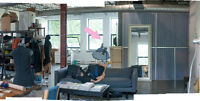 Spot(s) in lovely studio for rent / Coin(s) dans atelier à louée