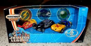 3 AUTOS MATCHBOX JUSTICE LEAGUE COLLECTIBLES 1:64 ANNÉE 2003