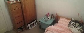 Single Bedroom to Rent for 5 Months in Wimbledon 480 including bills