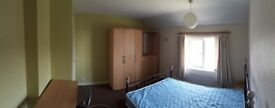 Double room (single occupancy) in shared house, full time employed only