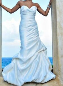 Wedding Dress (fits size 2 or xs)
