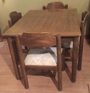 OAK FOUR CHAIRS DINING ROOM SET
