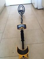 Metal Detector Garrett Ace 150, NEW Pin Pointer, Head Phones