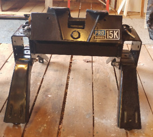 "15 K   5th WHEEL HITCH - ""REDUCED"""