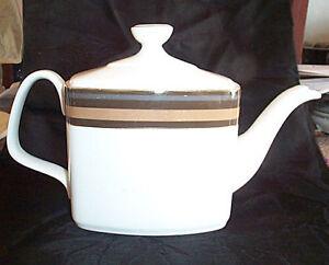 """Royal Doulton """"CADENZA"""" Teapot"""