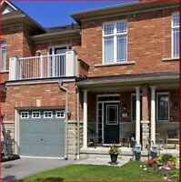 SPACIOUR OPEN CONCEPT TOWNHOME - 3BR-3WR - PICKERING