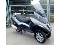 2012 62 Piaggio MP3 300 Silver 1 Owner FSH MOT July 19 CAR LICENSE TRIKE SCOOTER