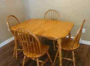 Dining table set(can deliver)