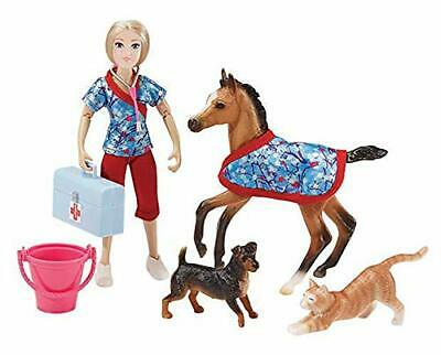 Breyer - Day at The Vet Doll & Animals Set - 8 Pieces