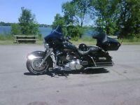 Harley-Davidson FLHTC monté FLHX
