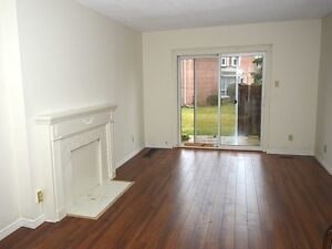 SPACIOUS 2 BDRM TOWNHOUSE IN WESTMOUNT