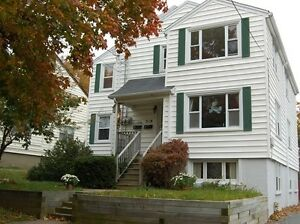 JUNE 1, SPACIOUS 3 BR. FLAT +LARGE SYTLE BONUS RM ON 2ND LEVEL