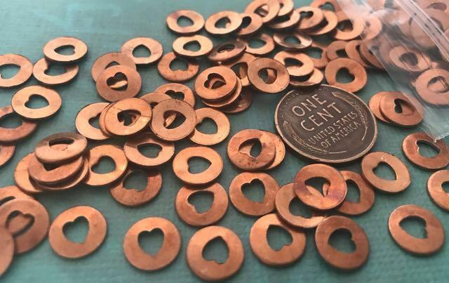Vintage 8mm Copper Tone Metal Cut Out Heart Disc Beads Charms 20