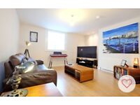 Modern and large one bedroom flat in centre of town