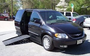 2003-Chrysler-Town-Country-HANDICAP-78K-SUNROOF-3RD-SEAT-VAN-IN-OR-SHOWROOM