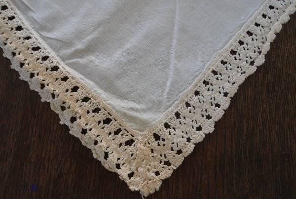 """Vintage Cotton Crochet Lace Banquet Tablecloth Ecru Rick Rack Bedspread 114"""""""