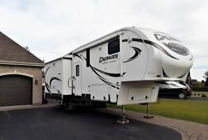 Caravane à selette (fifth wheel) Crusader Touring Edition, 2014
