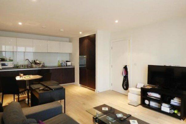 3 Bedroom Flat-2 bath-End Of October- Furnished/Unf-West London-Richmond Area-Kew-Brentford-TW8 TW9