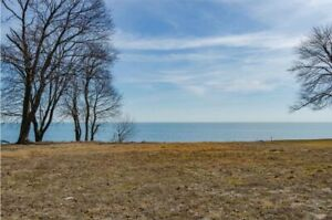 351 Lakeview | WATERFRONT LOT
