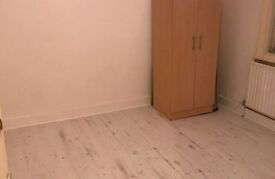 1 bedroom flat in Manor Road, Beckenham, BR3