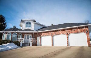 Executive Style Home in Community in Camrose! A Must See!