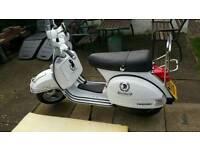 Vespa p125x 30 Anni scooter