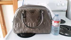 Guess purse brand new with tags